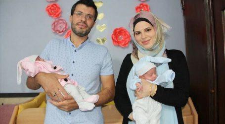 """تعبيرا عن فرحتهم بعودتها مسجد..عائلة سورية تطلق اسمي """"آيا"""" و """"صوفيا"""" على توأميها"""
