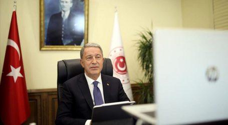 وزير الدفاع التركي يجدد إدانته للعدوان الأرميني على أذربيجان
