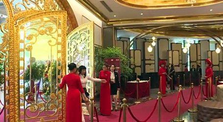 فيتنام تفتتح أول فندق مطلي بالذهب في العالم