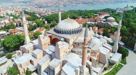"""مسجد """"آيا صوفيا"""".. اسقاطات في غير موضعها"""