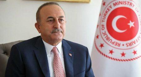 تشاووش أوغلو ونظيره الأذربيجاني يبحثان العدوان الأرميني الأخير