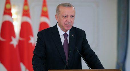 أردوغان: علينا أن نعتمد على أنفسنا في مجال الإعلام والاتصال